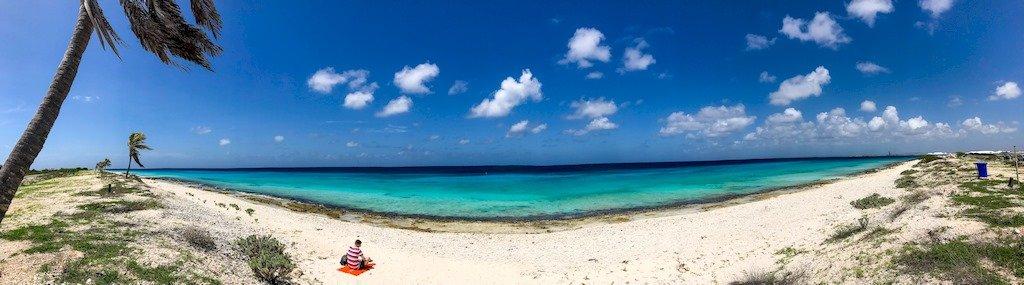 A l'ouest de l'île de Bonaire se trouve des plages de cartes postales.