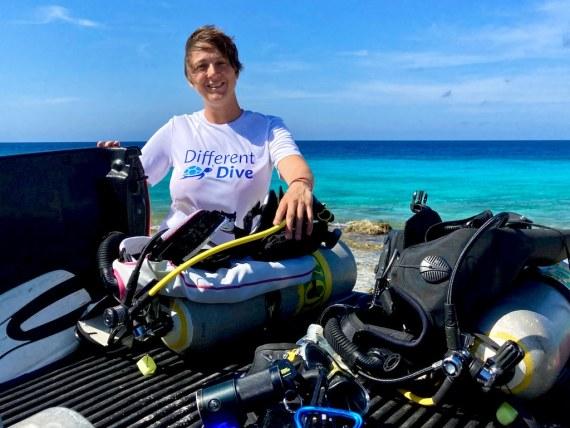 L'embout anatomique thermoformable permet de faire plusieurs jours de plongée sans douleur à la mâchoire comme pour Hélène à Bonaire.