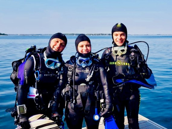 L'amitié rend les plongées plus belles comme pour ces trois plongeurs en Zélande