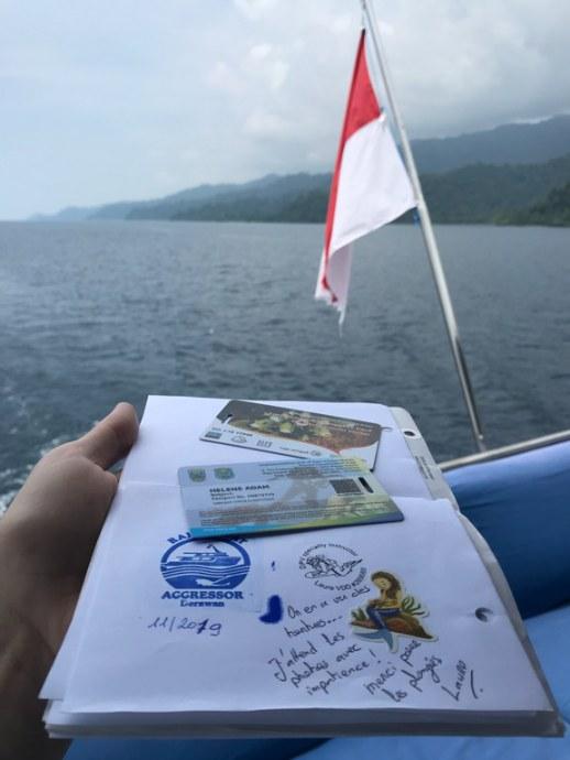 Les cartes d'entrée au parc marin de Raja Ampat.