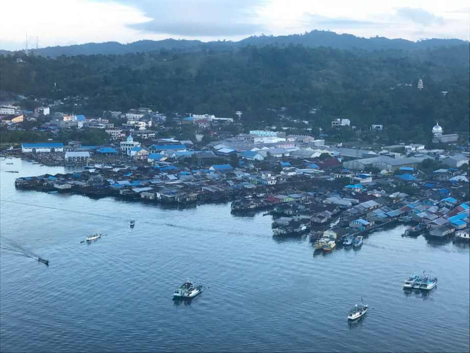 Visiter Sorong, petite ville portuaire de Papouasie occidentale.