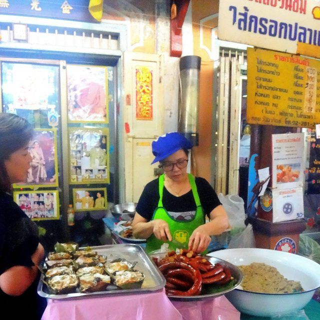 Nang Leong market is a must stop for foodies visiting Bangkok. it's full of authentic cheap places to eat.