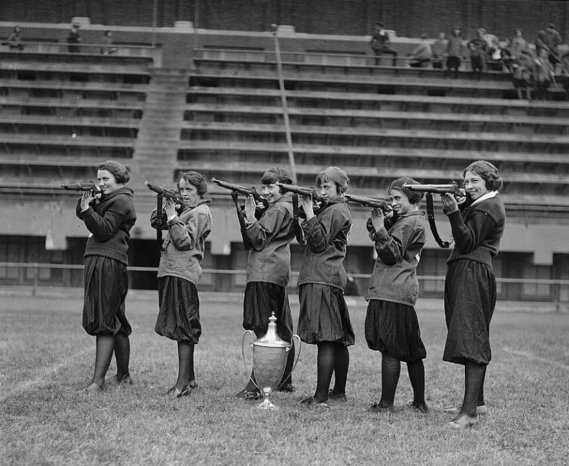 Girls' rifle team at Central High, Washington, DC. November 1922. (Wikimedia Commons)