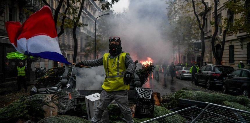r 31 - 28 imágenes que muestran el drama de las protestas en Francia
