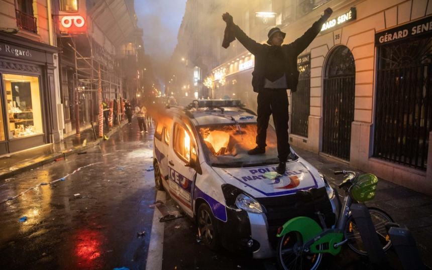t - 28 imágenes que muestran el drama de las protestas en Francia