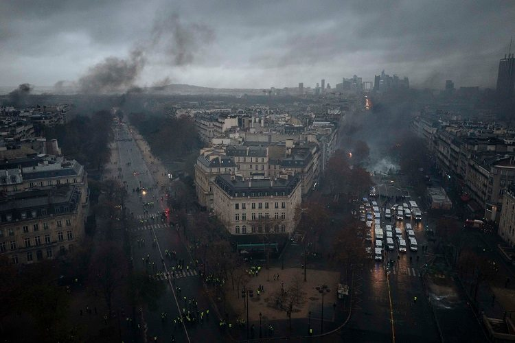 zb 9 - 28 imágenes que muestran el drama de las protestas en Francia