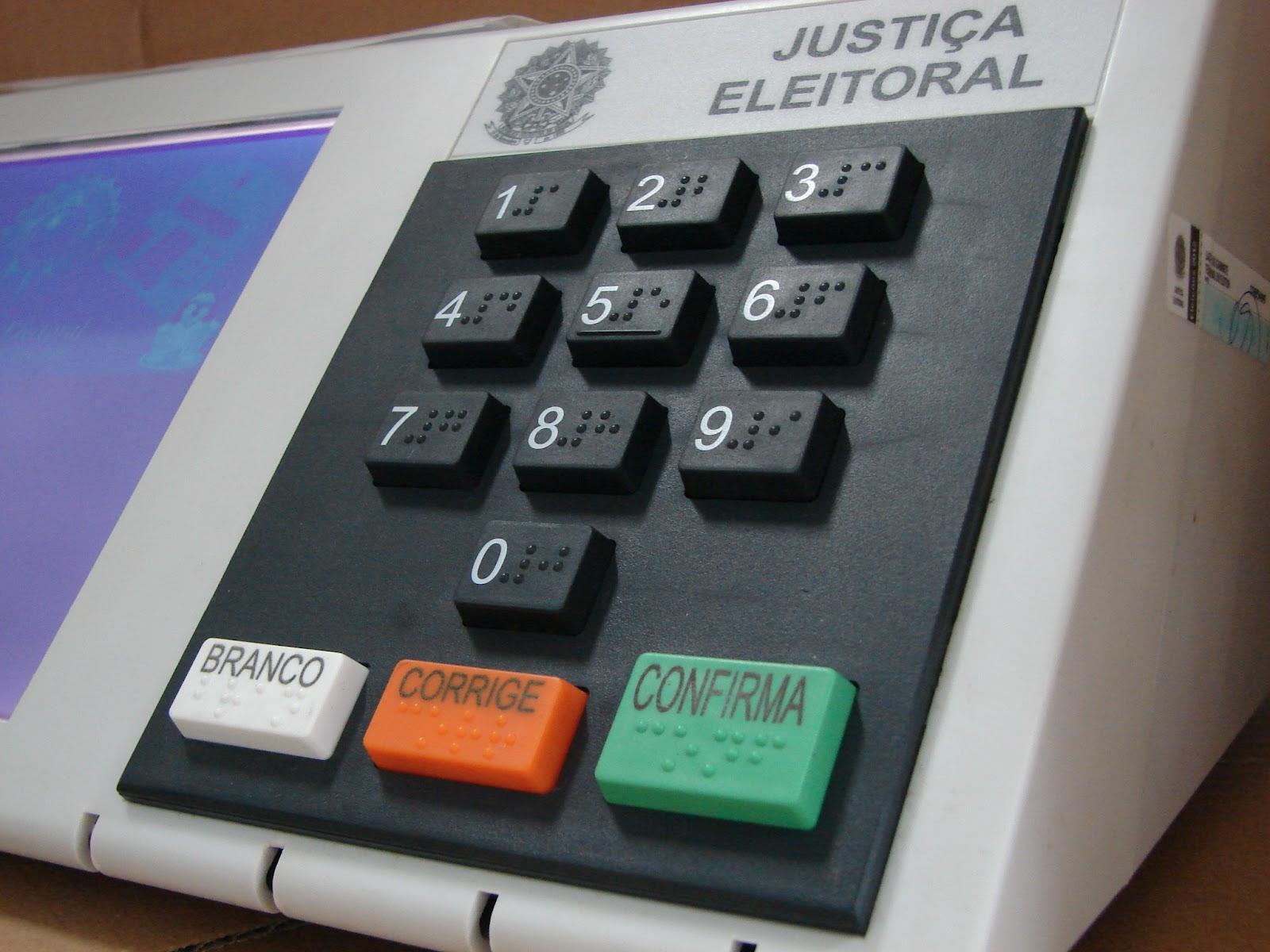 Cartório Eleitoral de Assis realiza auditoria em urnas eletrônicas e descarta problemas