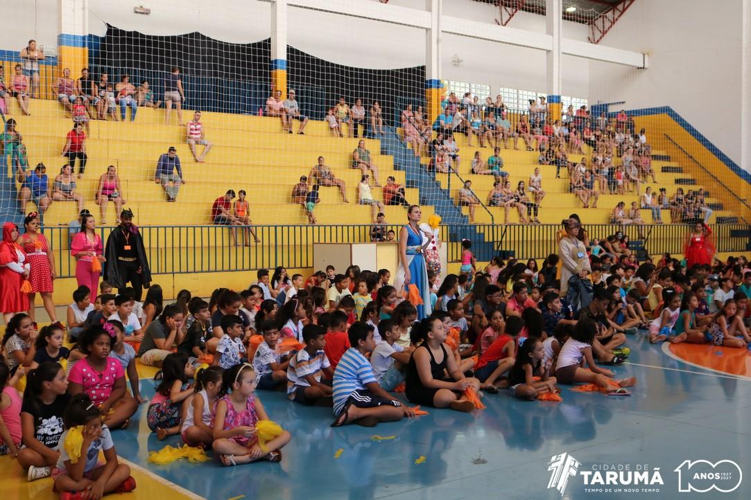 Reunindo centenas de crianças e adolescentes, Tarumã inicia mais uma edição do 'Projeto de Férias'
