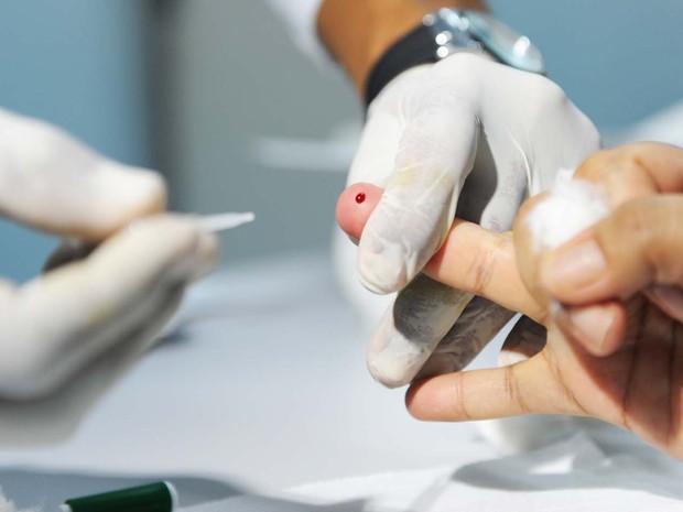 Campanha da Secretaria de Saúde estimula população a realizar exame que detecta tipos de hepatite