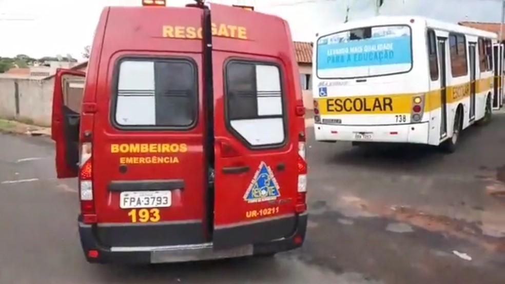 Secretaria de Educação monitora situação clínica de criança atropelada por ônibus