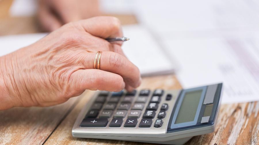 Aposentados e idosos são vítimas vulneráveis para empréstimos consignados, avalia o Procon