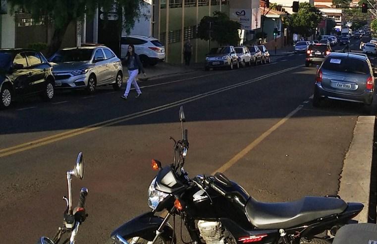 Motoristas reclamam e Legião Mirim reitera que Cartões da Zona Azul podem ser encontrados em dezenas de pontos
