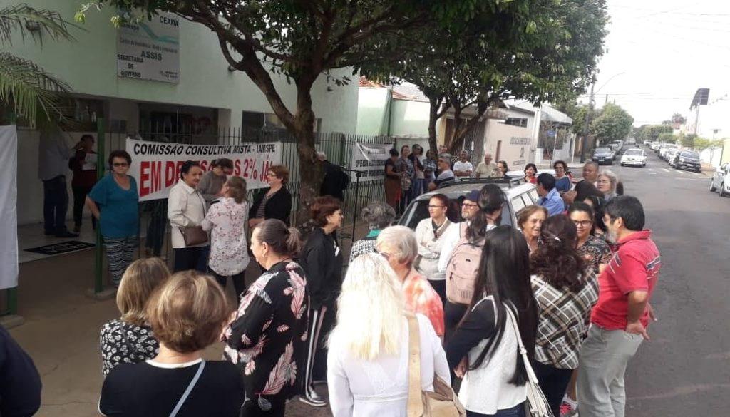 Servidores públicos conveniados ao Iamspe reclamam da falta de hospital credenciado em Assis