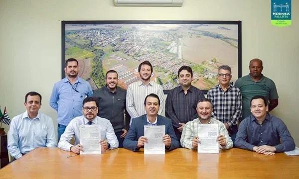 Pedrinhas Paulista anuncia financiamento de R$ 600 mil para novo aterro, carga e remoção de resíduos inertes