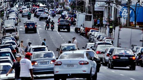 'Zona Azul' espera aumento no fluxo de veículos circulando nas áreas comerciais da cidade