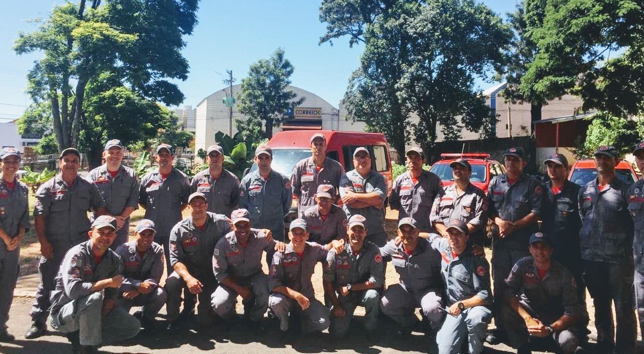 Após chuvas e mortes, bombeiros de Assis e Paraguaçu participam de força-tarefa na baixada santista