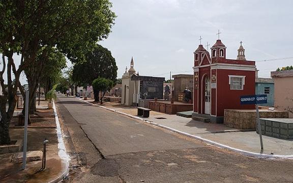 Cemitério municipal terá limpeza permanente em 2020, afirma administrador do espaço