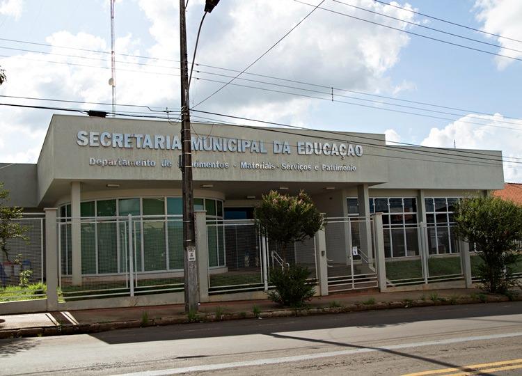 Prefeitura de Assis abre inscrição para professores temporários para 2021