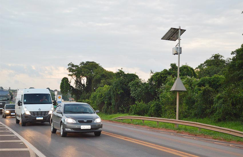 Departamento de Trânsito cogita instalar radares na Avenida Rui Barbosa para conter acidentes