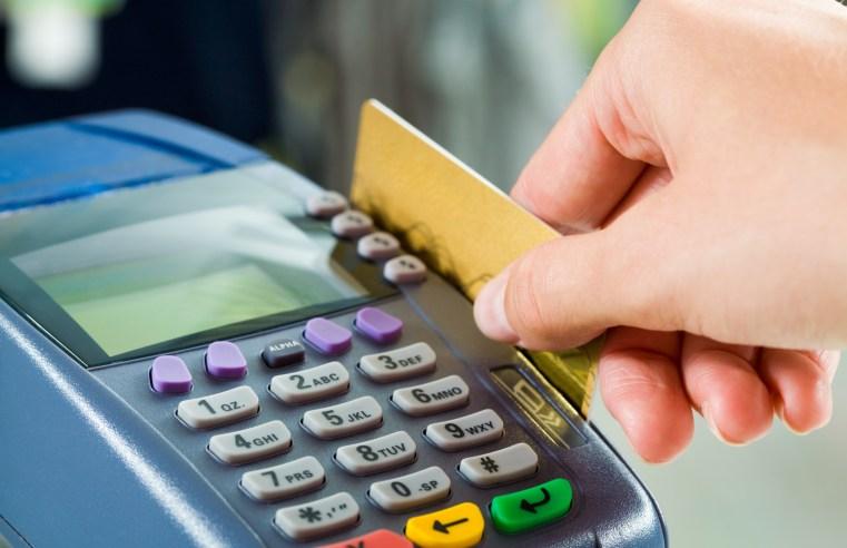 Diretora do Procon explica como fugir dos juros abusivos do cartão de crédito