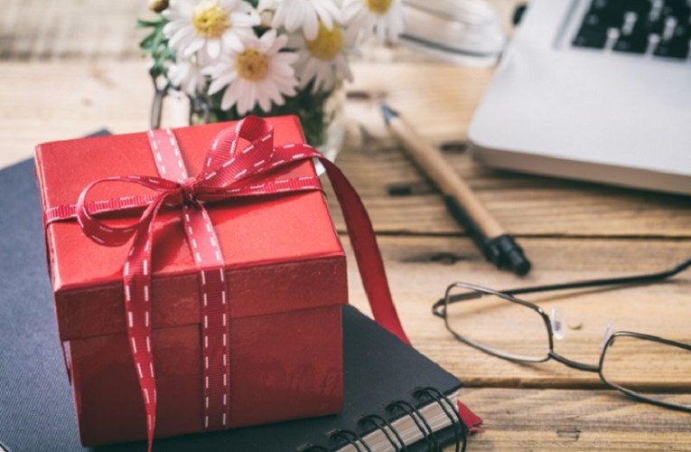 Special Birthday Gifts For Wife  |  A good gift for wife