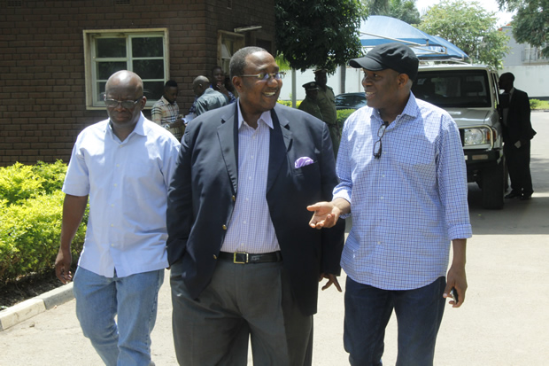 UPND vice president Geoffrey Mwamba with Fred M'membe at Central Police-picture by Tenson Mkhala