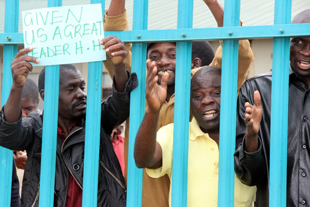 UPND cadres outside the court premises-picture by Tenson Mkhala
