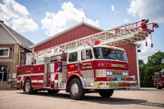 Ladder 1: 1980 Hahn Fire Spire, 1250 GPM Pump, 106 foot Steel Ladder