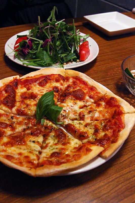 シンプルなピザが美味い!