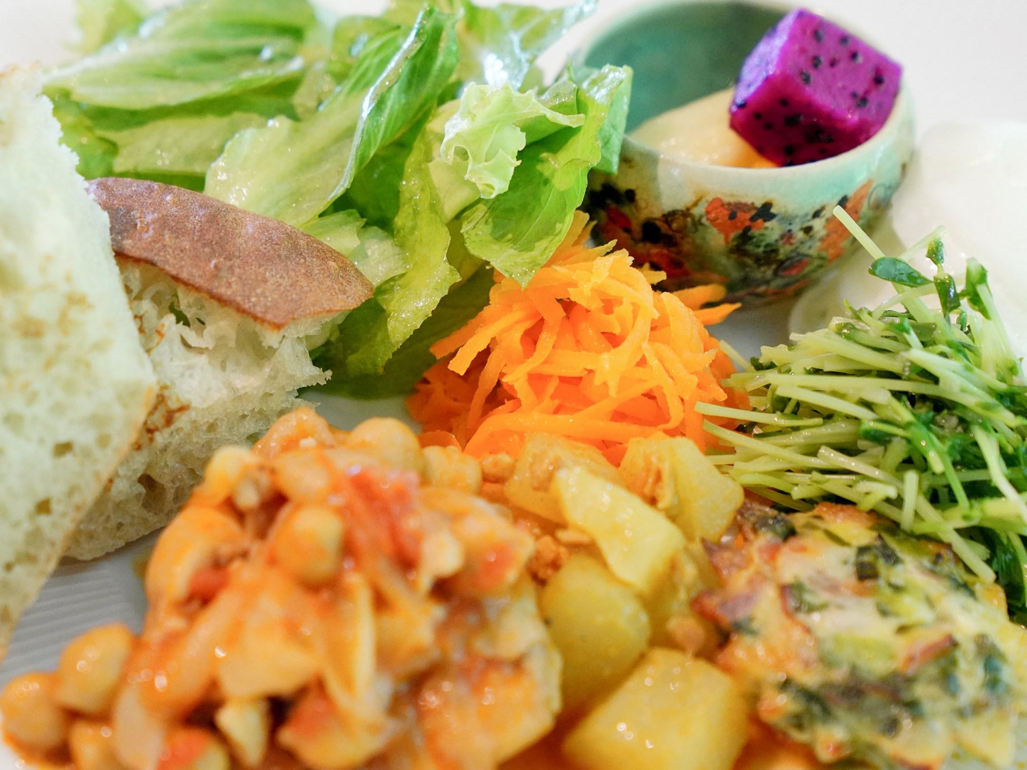 Cafe Okinawa Rail