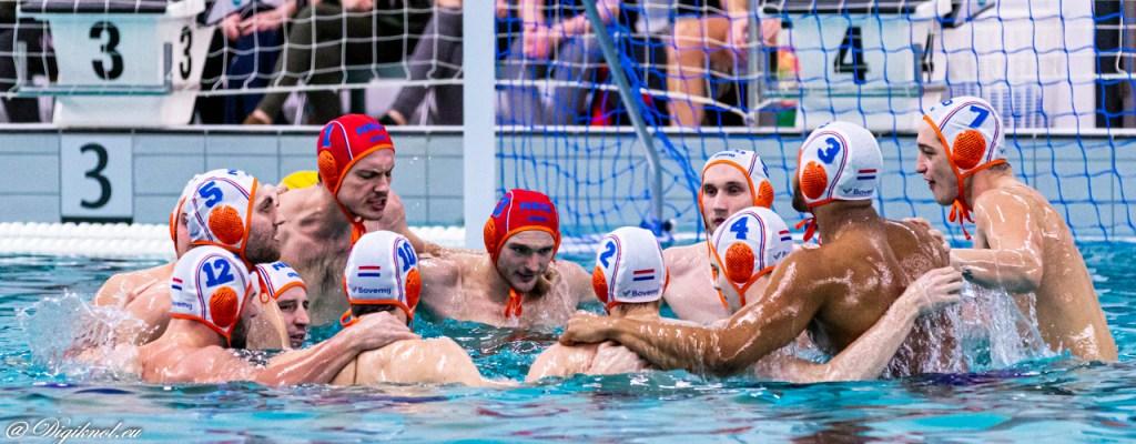 Nederlandse Waterpolomannen winnen van China