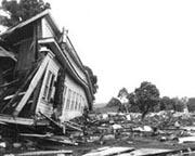 Distruzioni causate alle isole Hawaiane da alcune onde gigantesche negli anni '60