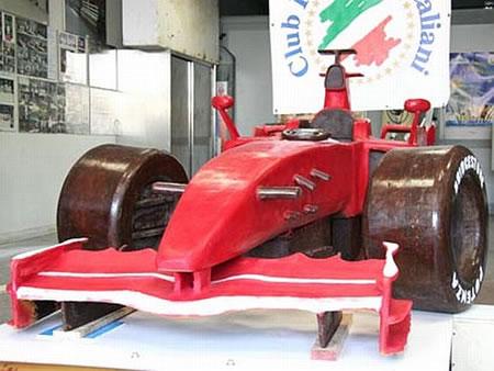 チョコレートで作った実物大のフェラーリF1