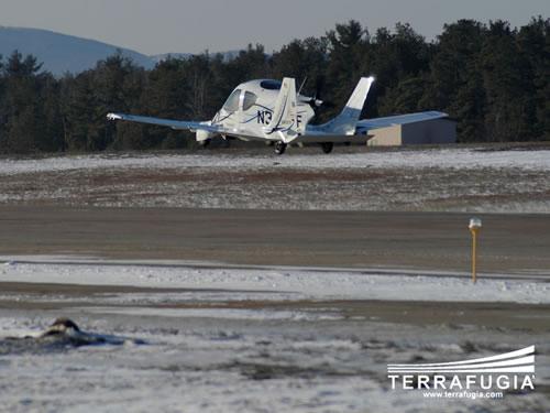 Terrafugia社の空飛ぶ自動車が初飛行に成功した時の動画