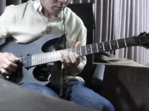 ニコニコ動画、「俺は昔凄かったんだぞ」と自慢する父親にギターを弾かせてみたら本当に凄かった