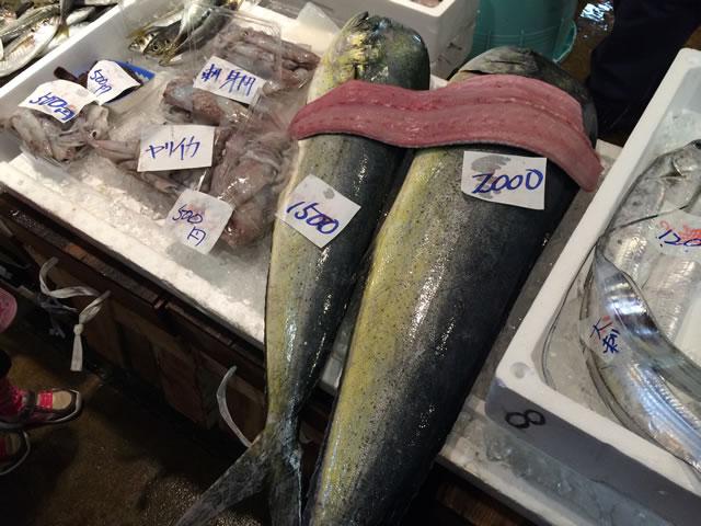 report-131109-nagahama-sengyo-market09
