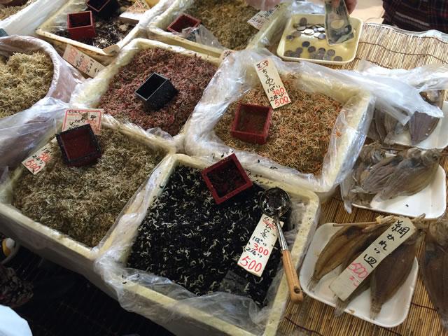 report-131109-nagahama-sengyo-market16