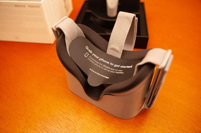 Oculus GoのVRゴーグル