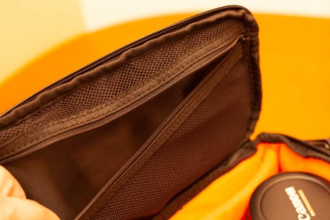 カメラバッグのポケット