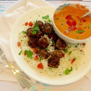 Greek Meatballs in Tangy Tomato Sauce