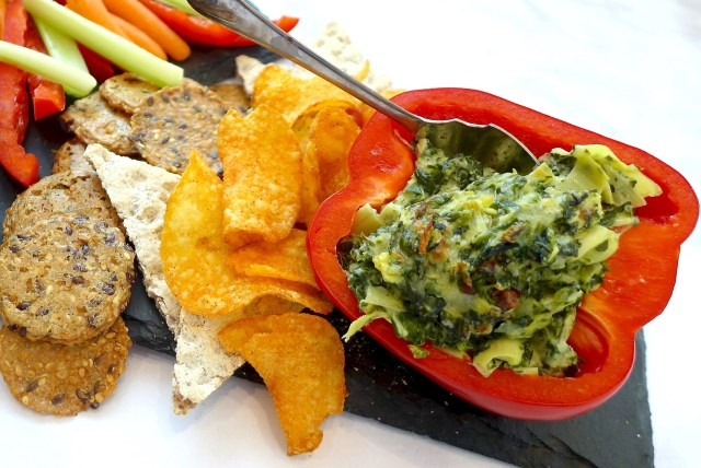 Spicy Spinach Artichoke Dip