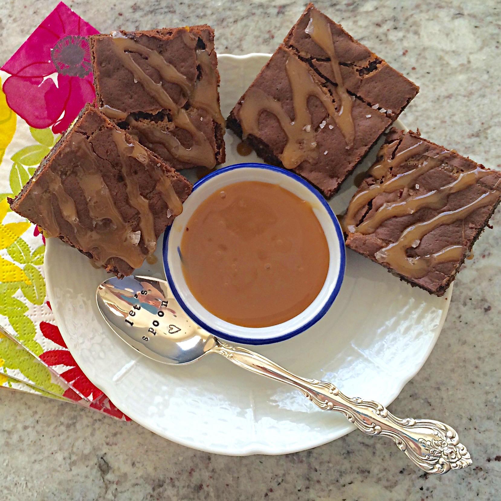 Salted Caramel Brownies on diginwithdana.com