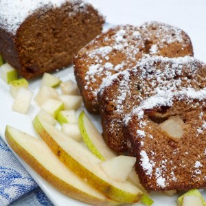 Applesauce Pear Cake
