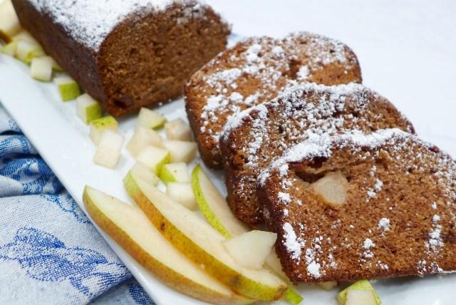 Applesauce Pear Cake