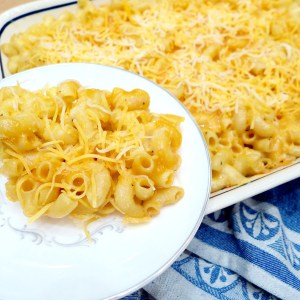 Cheesy Baked Mac 'N Cheese - easy recipe and tips at diginwithdana.com