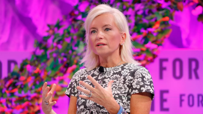 Facebook Chief Carolyn Everson Leaves Company