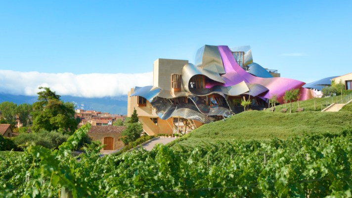 Hotel-Marques-de-Riscal-a-Luxury-Collection-Hotel-Elciego