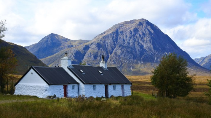 A white cottage near Glencoe on the West Highland Way in Scotland