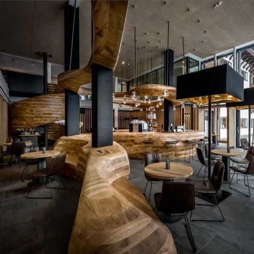 3d milling furniture | Hotel Puradies Leogang | Foto: Peter Kühnl