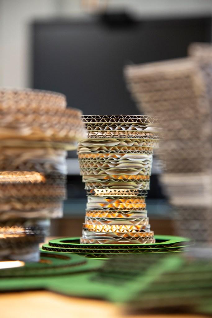 Reuse of cardboard boxes and cartons. A digital design- and fabrication workshop at Makerspace Vesterålen, Stokmarknes | Sommerskole Hadsel Kommune 2021 | Course & Foto: Marc Ihle, Digital Landscapes